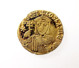 Frontside of a gold coin of Theofilos