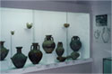Early-geometrical vases from hall V