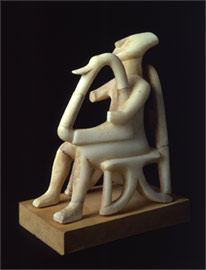 Side view of the figurine